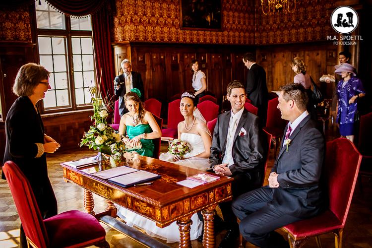 M.A. Spoettl als Fotograf an einer Hochzeit im Schloss